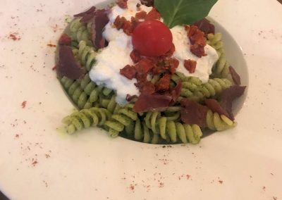Pasta pesto et burrata